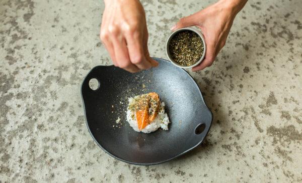 Seaweed: Health Benefits - plate with seaweed and salmon